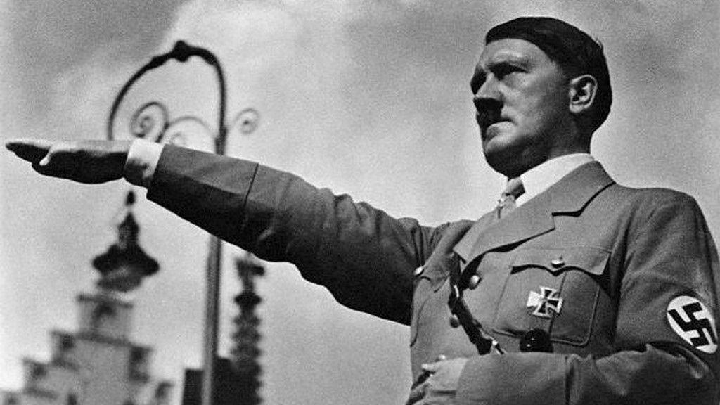 Vaš junak Milo Yiannopoulos - Page 5 Adolf-hitler