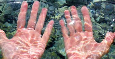 smežurani prsti