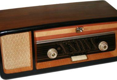 stari radio prijemnik